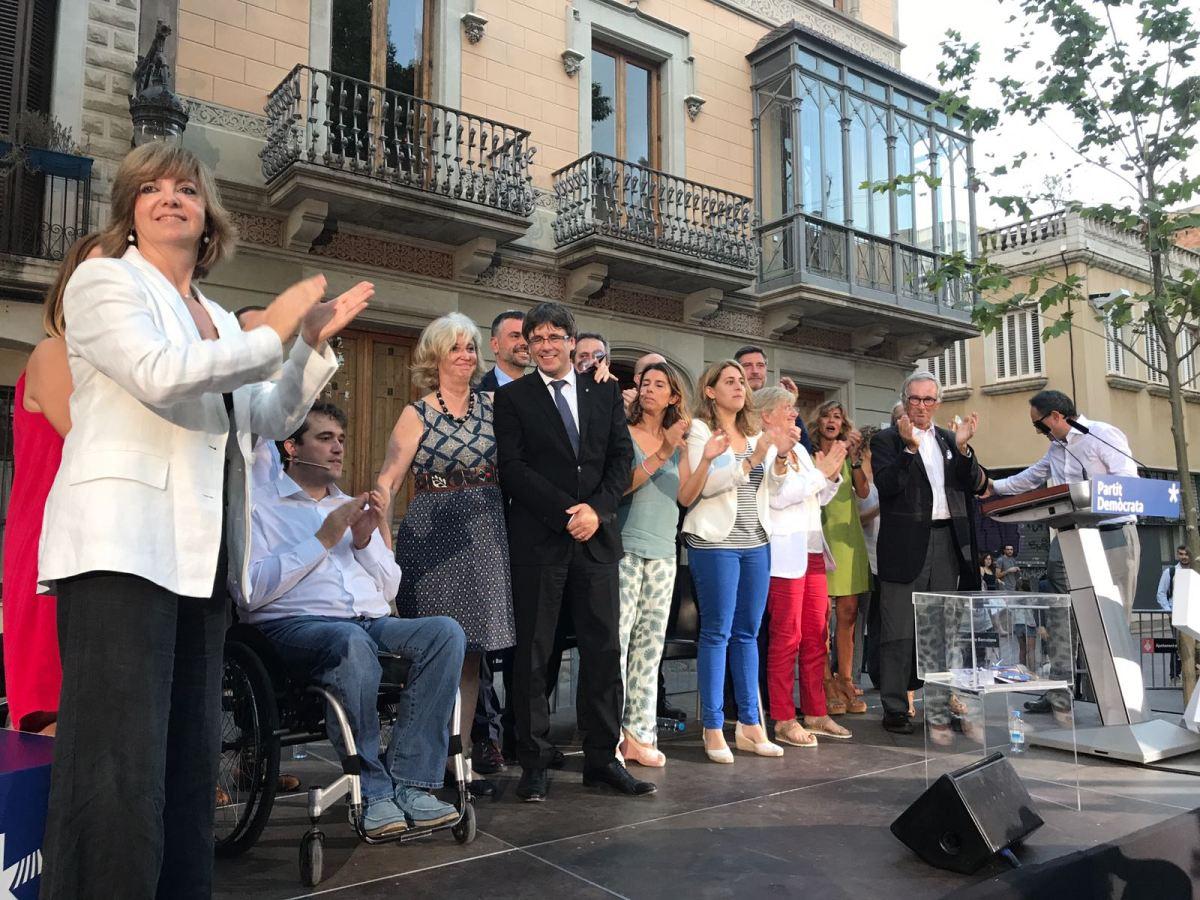 """President Puigdemont: """"Respecteu la democràcia, no hi tireu lesclavegueres"""""""