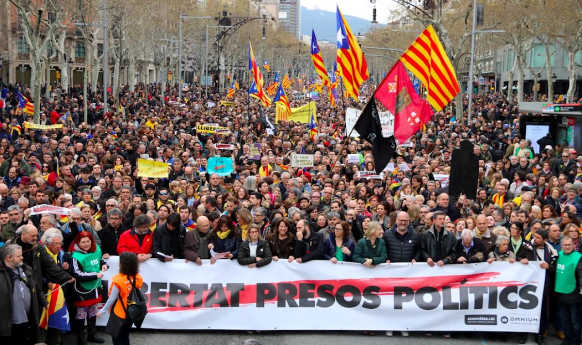 Trias reclama a Colau que l'Ajuntament de Barcelona doni un suport clar i contundent a Puigdemont i surti en defensa dels drets civils ipolítics