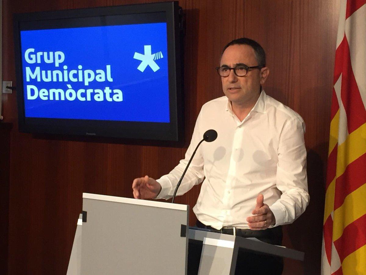 El PDeCAT condemna l'acció contra un bus turístic al Port Olímpic i avisa que el vandalisme en democràcia posa en risc les idees que es voldefensar